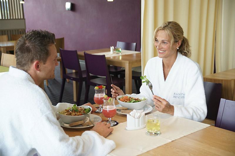 Paar in der Gastronomie Badepark Bentheim